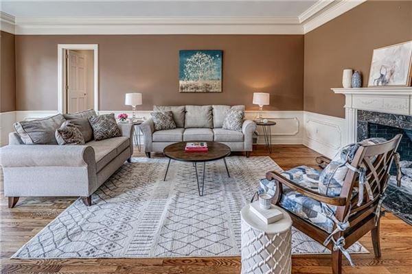 Deerfield Manor luxury properties