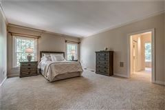 Luxury properties Deerfield Manor