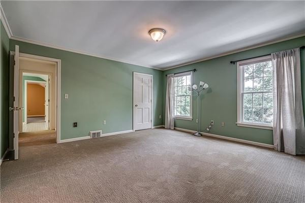 Deerfield Manor luxury homes