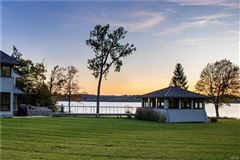 a Magnificent Skaneateles waterfront estate  mansions