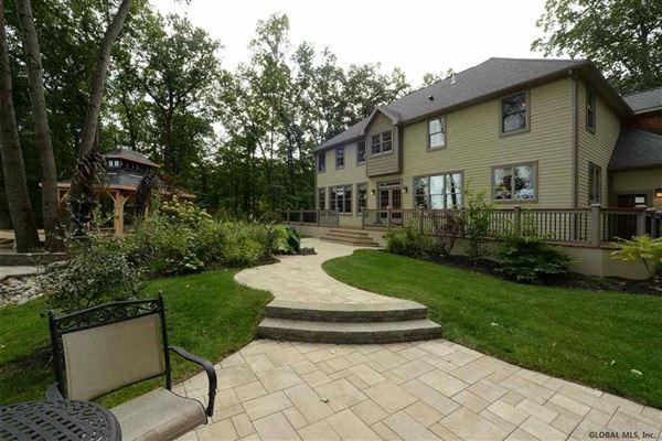 Luxury homes custom estate in Clifton Park