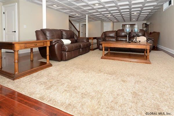 Luxury properties custom estate in Clifton Park