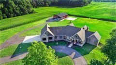 Luxury properties STUNNING CUSTOM RANCH HOME