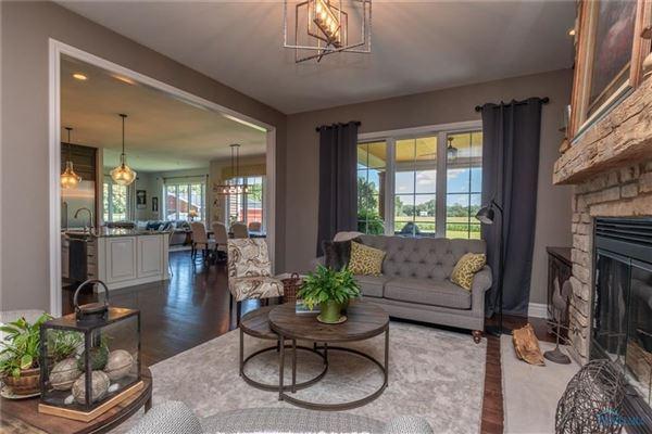 Luxury real estate STUNNING CUSTOM RANCH HOME