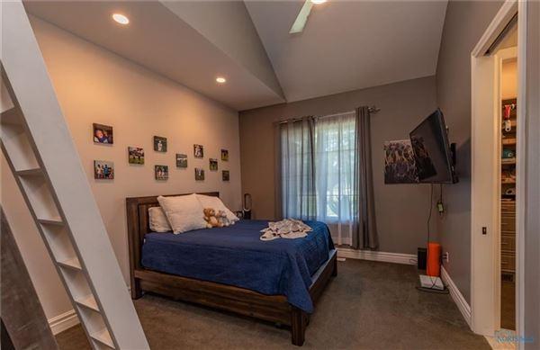 STUNNING CUSTOM RANCH HOME luxury real estate