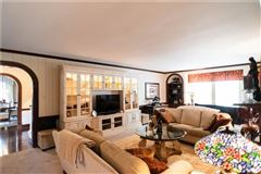 Luxury real estate An elegant historic 1930 Cedar Shingle, five bedroom home