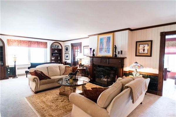 Mansions An elegant historic 1930 Cedar Shingle, five bedroom home