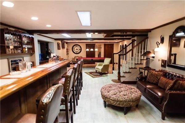 Luxury homes An elegant historic 1930 Cedar Shingle, five bedroom home