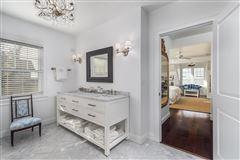 Overstone - landmark waterfront estate luxury properties