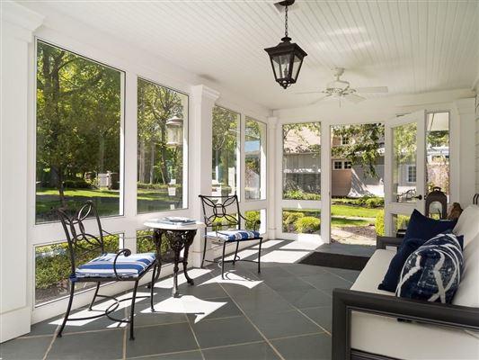 Luxury homes in Overstone - landmark waterfront estate