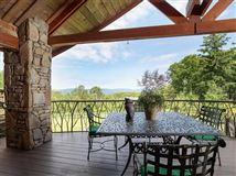 Luxury homes in Rustic elegance on 14 acres