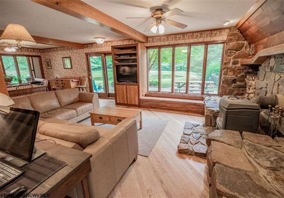Luxury properties Unique home on 19 acres in Cheat Lake