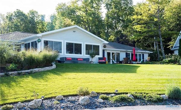 Luxury homes Stunning remodel in port clinton