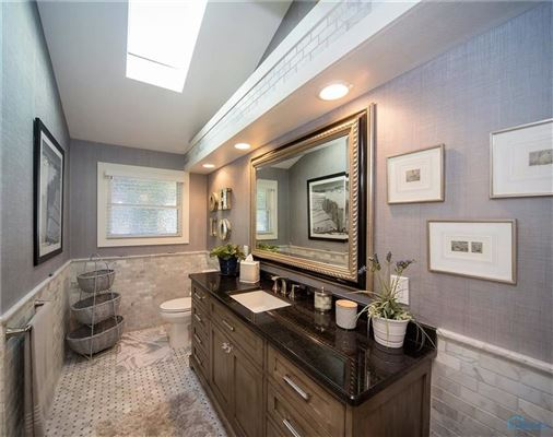 Mansions Stunning remodel in port clinton