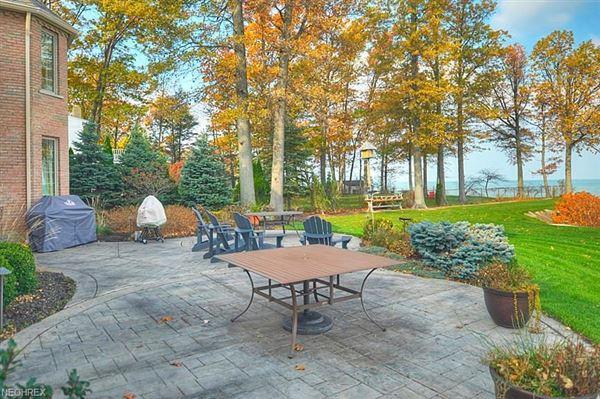Luxury homes impressive home in avon lake