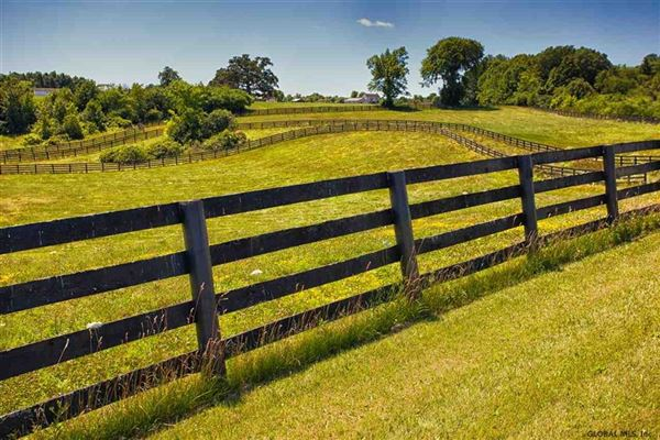 99 acre horse property and three bedroom home luxury homes