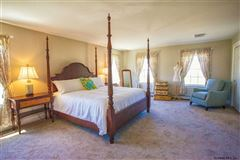 99 acre horse property and three bedroom home mansions