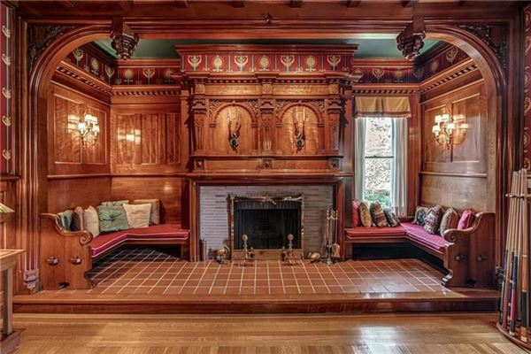 Luxury real estate stately residence from 1905