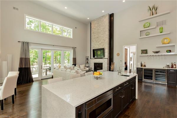 Luxury homes A smashingly beautiful home