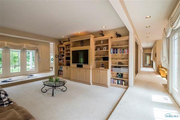 Stunning home on cul-de-sac in Ottawa Hills luxury real estate