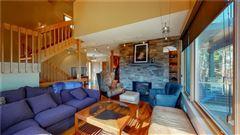 Luxury homes in Canoe Landing Estate and Vineyard