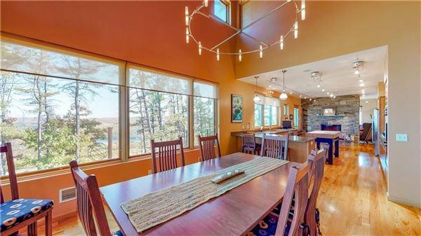 Luxury properties Canoe Landing Estate and Vineyard