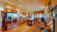 Luxury real estate Canoe Landing Estate and Vineyard