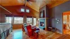 Luxury homes Canoe Landing Estate and Vineyard