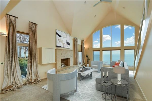 Luxury homes extraordinary gated lakefront estate