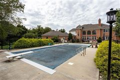 Luxury homes in spectacular home in a prime area of Sewickley