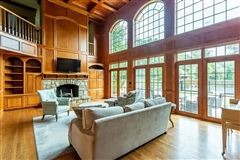 spectacular home in a prime area of Sewickley luxury real estate