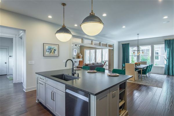 Luxury homes in lovely lewis center home