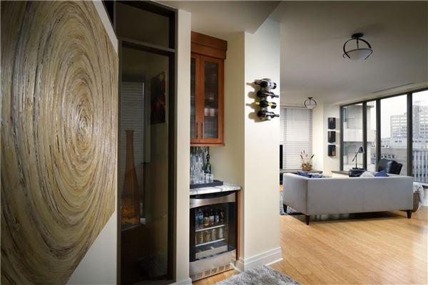 Luxury sun-filled condominium luxury real estate