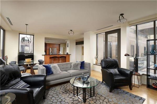 Luxury homes in Luxury sun-filled condominium