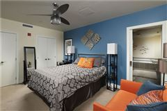 Mansions Luxury sun-filled condominium