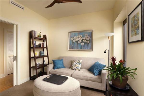Luxury homes Luxury sun-filled condominium