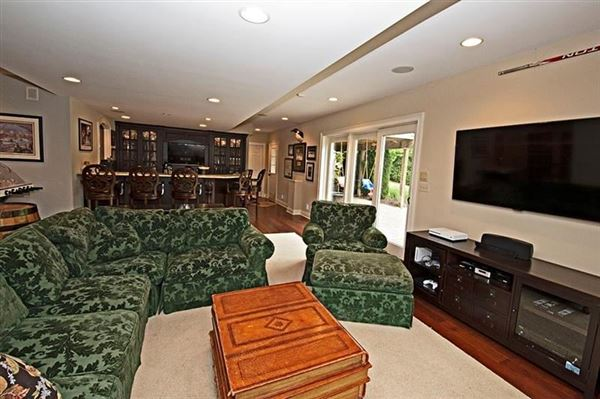 Luxury real estate A Magnificent home on a quiet cul-de-sac