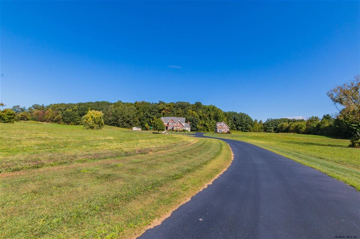 Luxury real estate a beautiful 20 acre property