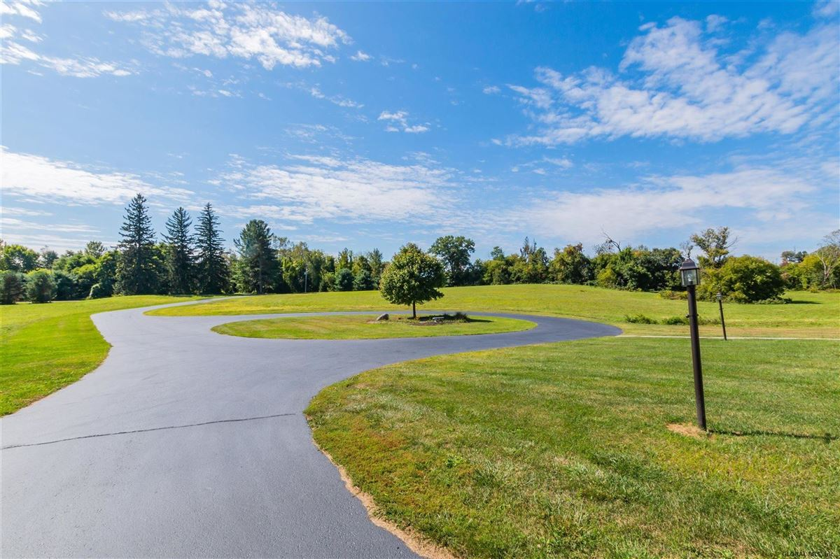 a beautiful 20 acre property luxury homes