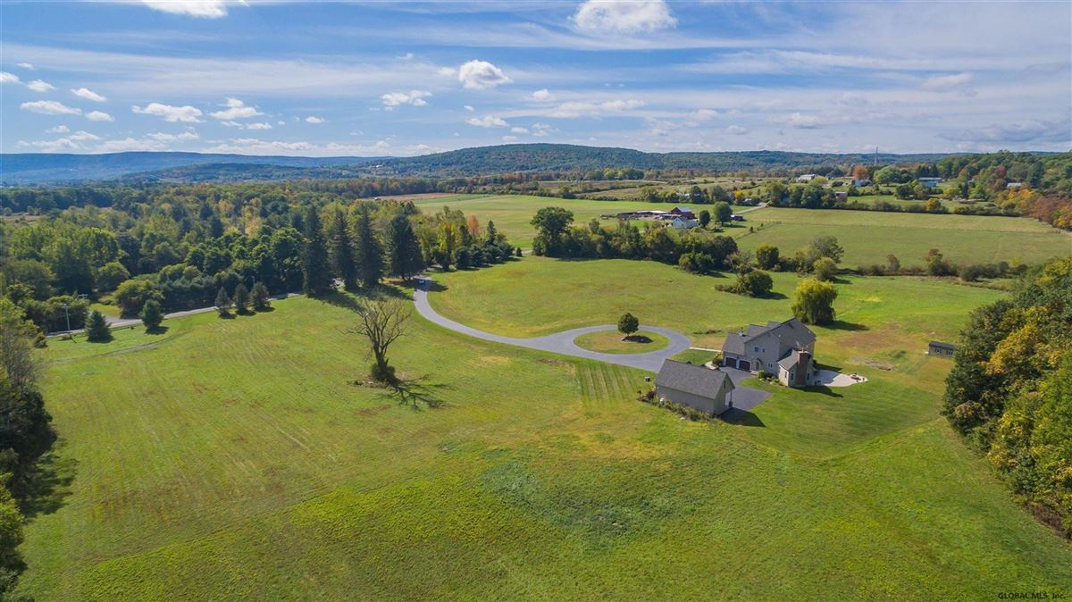 Luxury homes in a beautiful 20 acre property