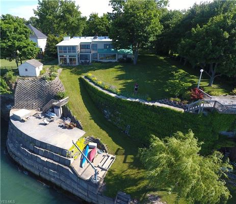 Luxury properties private waterfront playground