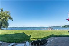 Luxury homes in exquisite waterfront home