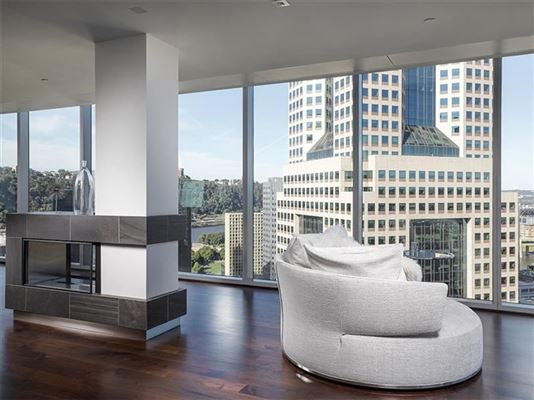 remarkable full-floor condominium luxury real estate