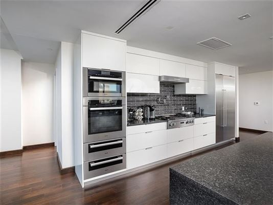 Luxury properties remarkable full-floor condominium