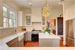 Luxury homes in beautiful island home