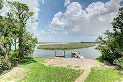 Waterfront Beauty luxury real estate