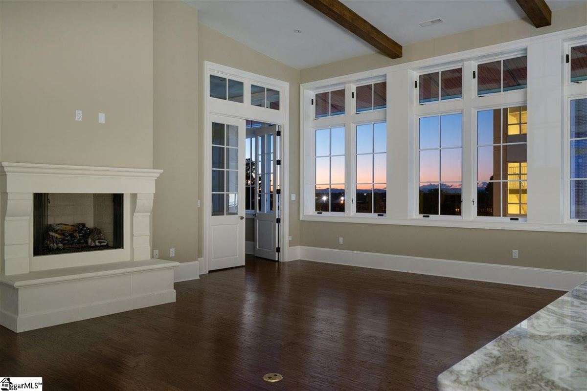 Spectacular penthouse condo luxury homes