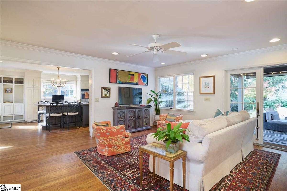 Luxury properties cottage style bungalow in greenville