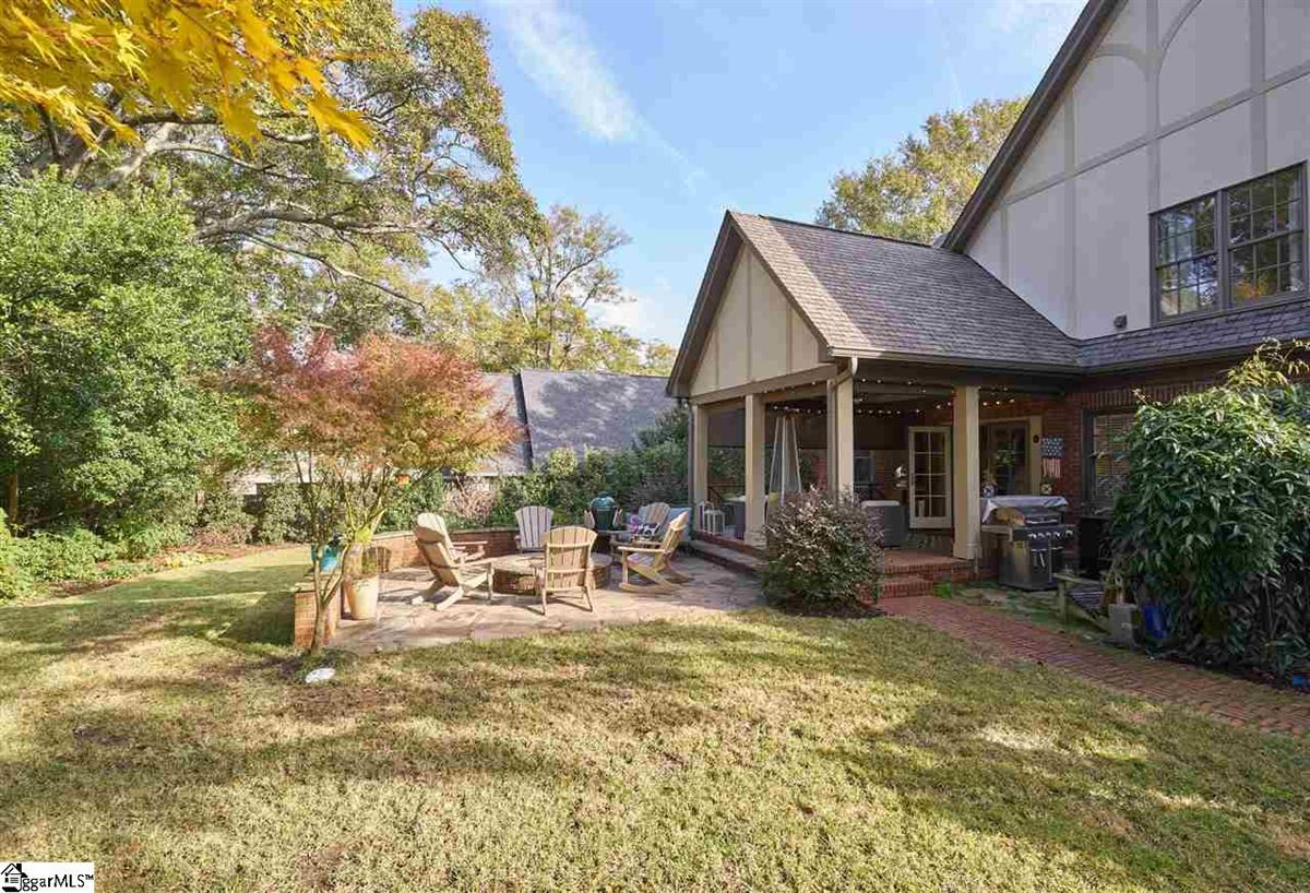 cottage style bungalow in greenville luxury properties