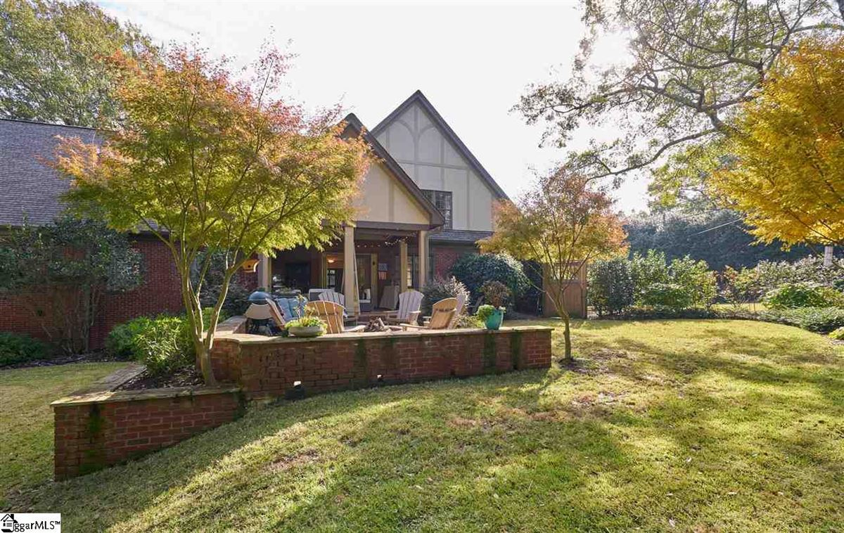 Mansions cottage style bungalow in greenville